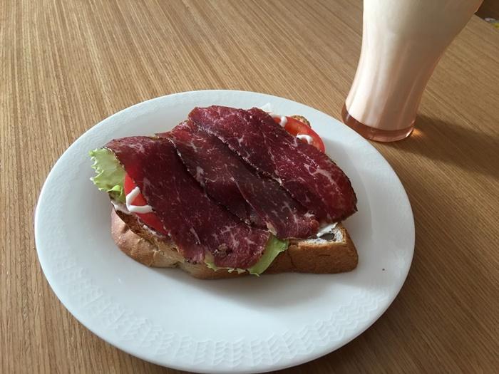 松阪牛生ハムの朝食トースト