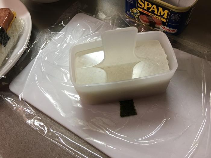 スパムおにぎりの作り方