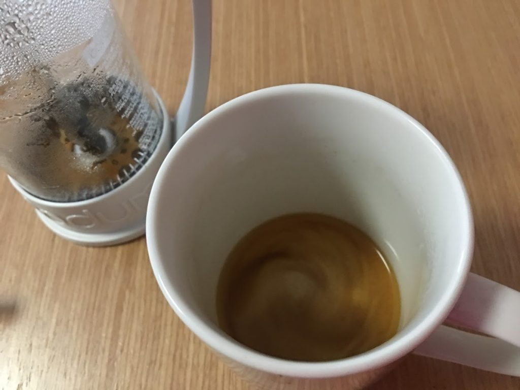 カップに残ったコーヒー